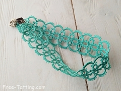 Tatting necklace